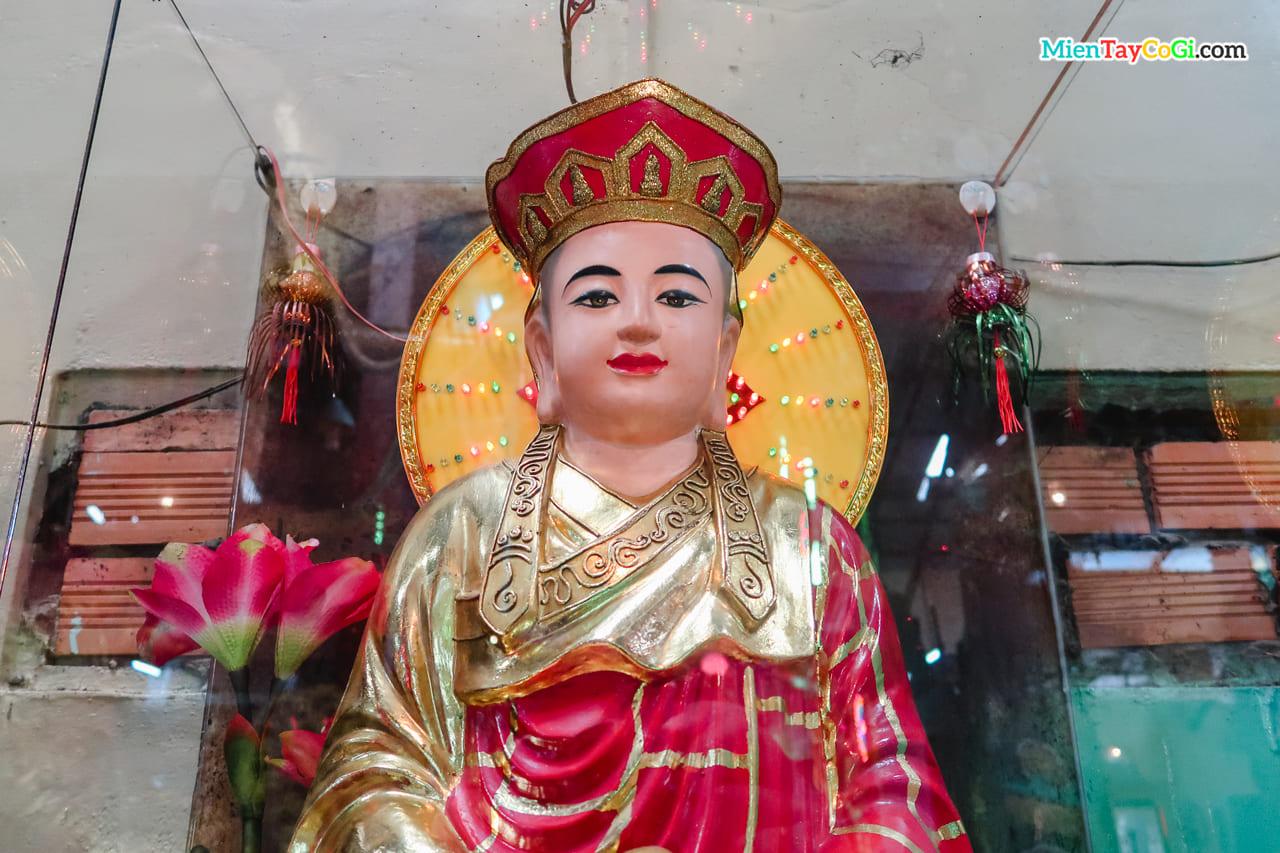 Bức tượng tinh xảo ở chùa Đất Sét