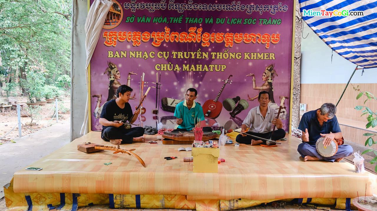 Ban nhạc cụ truyền thống Khmer chùa Mahatup - chùa Dơi