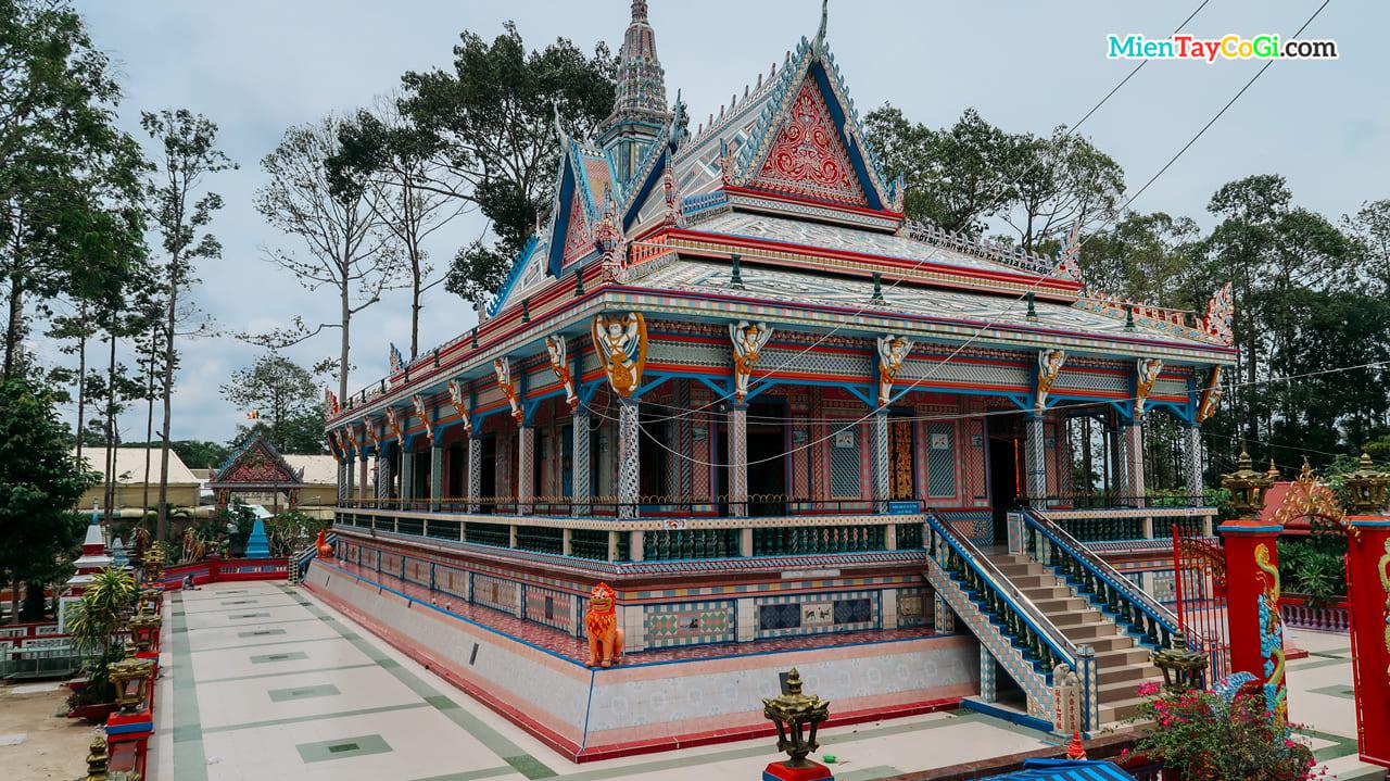 Chùa Chén Kiểu là ngôi chùa đại diện văn hóa Khmer tại Sóc Trăng
