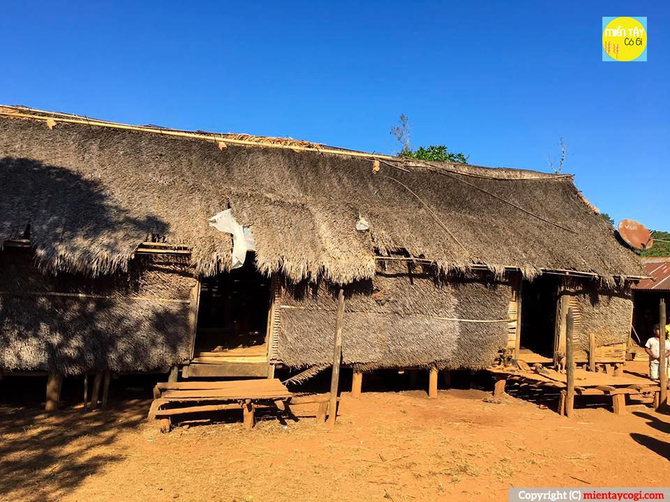 Nhà dài dân tộc Mạ