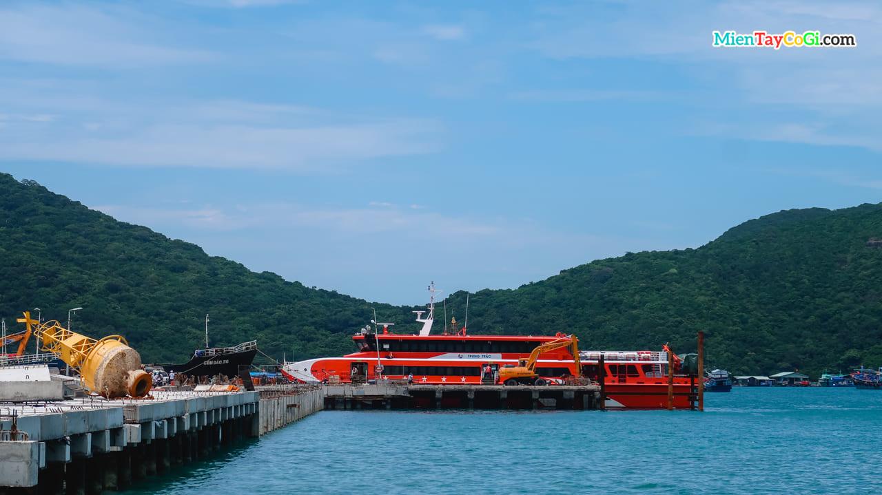 Tàu Phú Quốc Express Trưng Trắc đi Côn Đảo