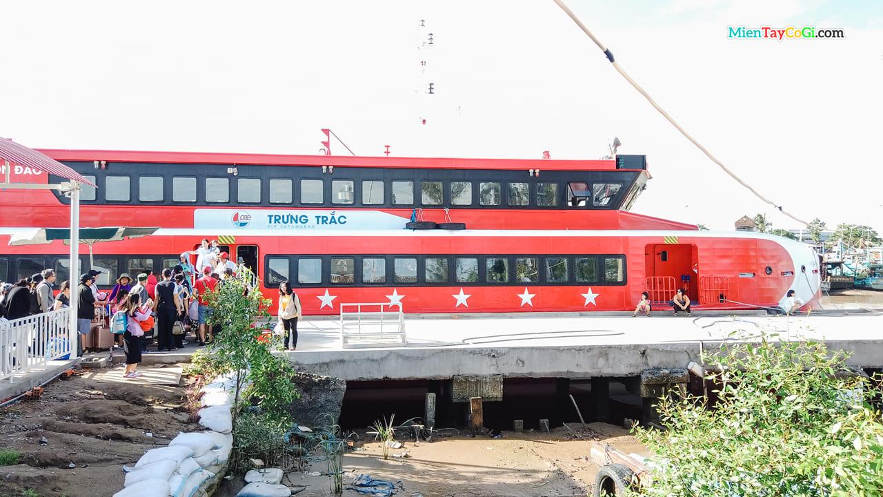 Tàu Trưng Trắc của Côn Đảo Express - tàu Phú Quốc Express đi Côn Đảo