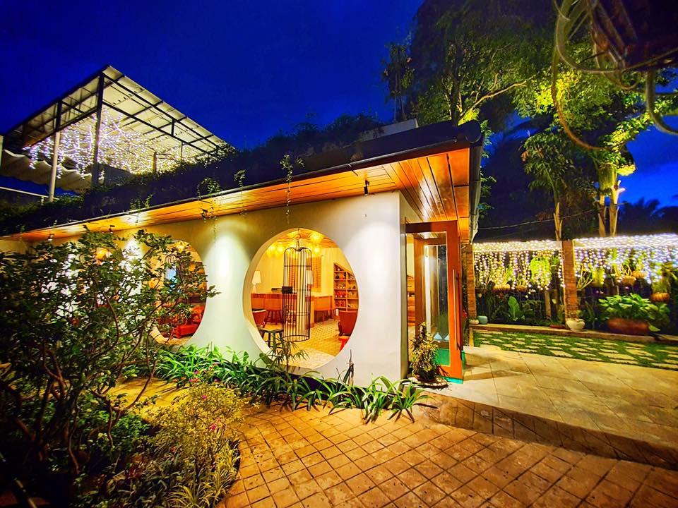 Bình Minh Eco Lodge có cả tầng lầu cafe