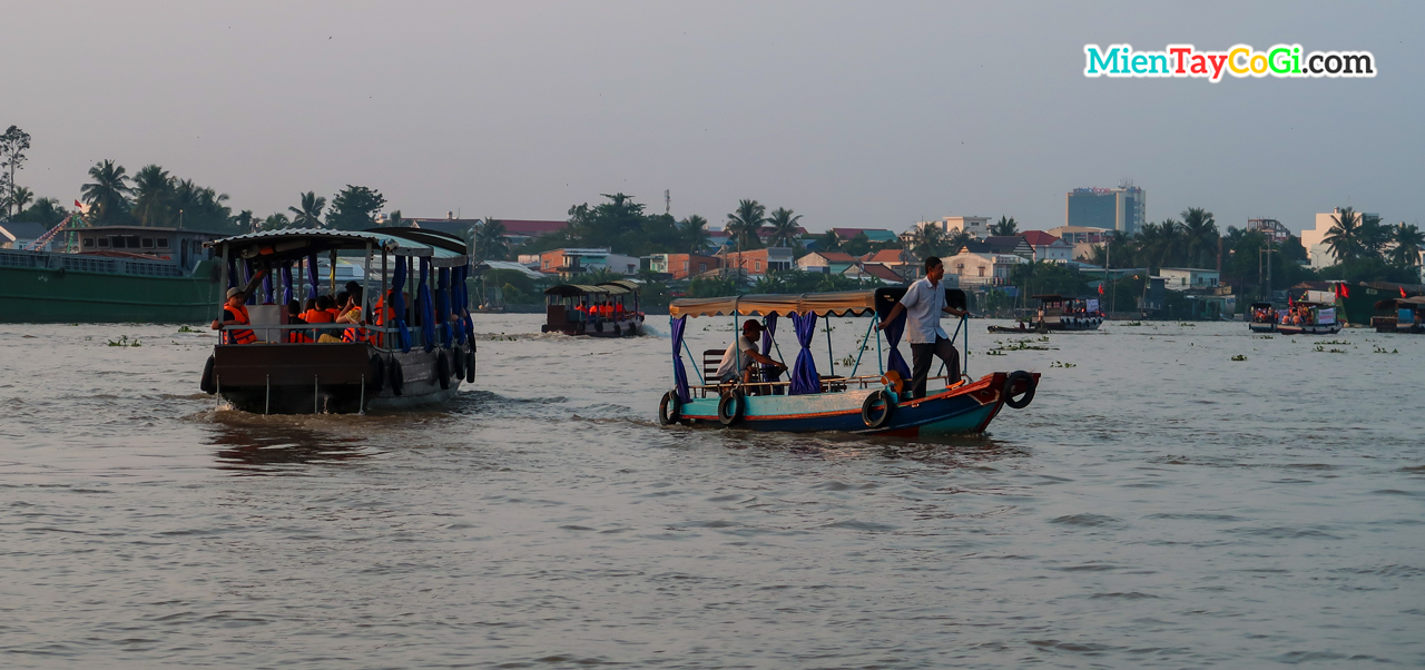 Boat to Cai Rang floating market in Vietnam