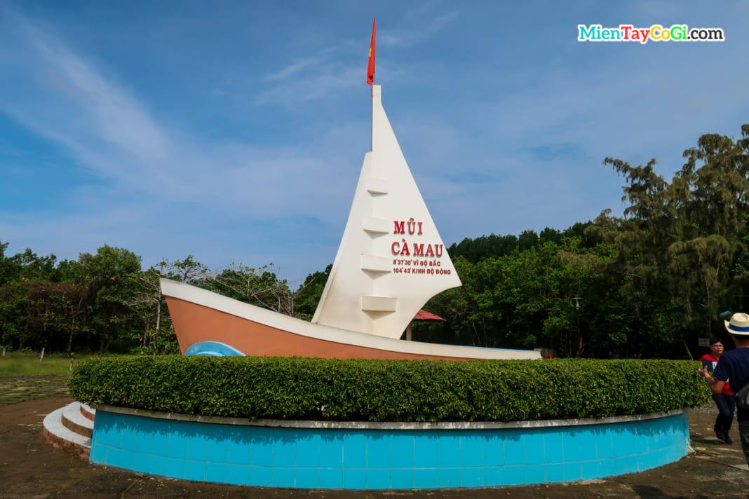 Biểu tượng mũi tàu Cà Mau