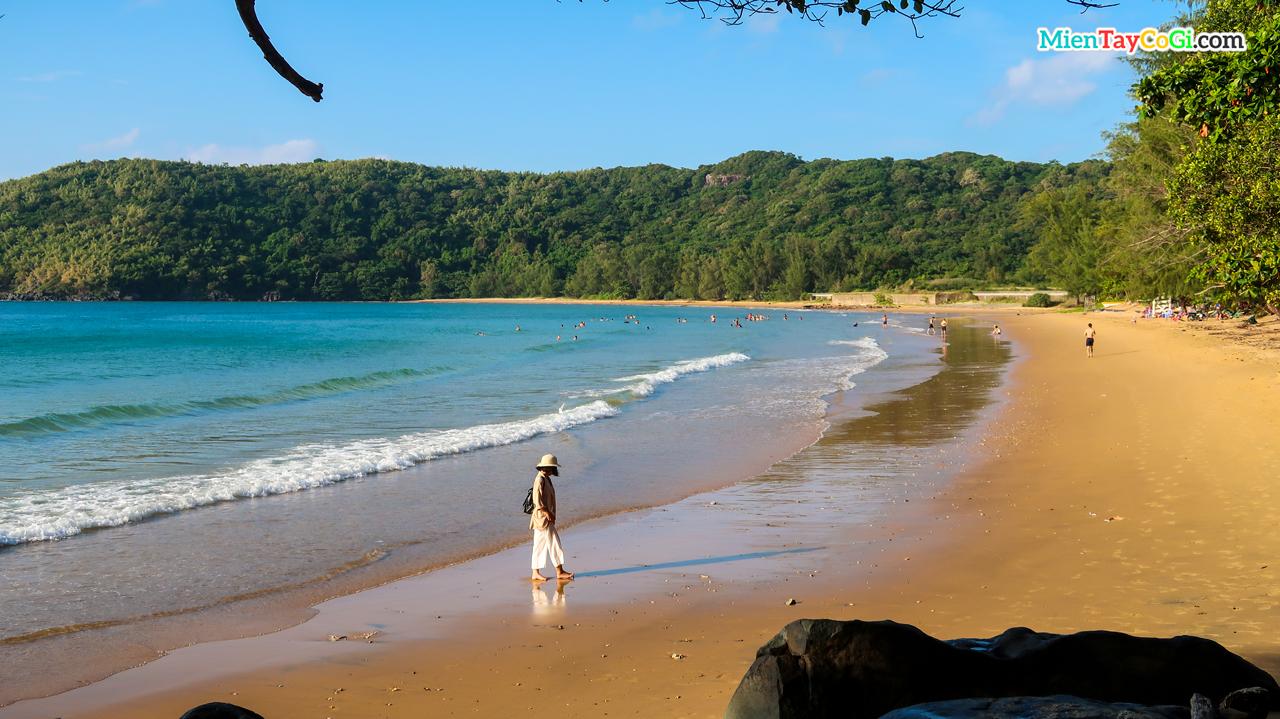 Du lịch Côn Đảo với biển xanh cát vàng