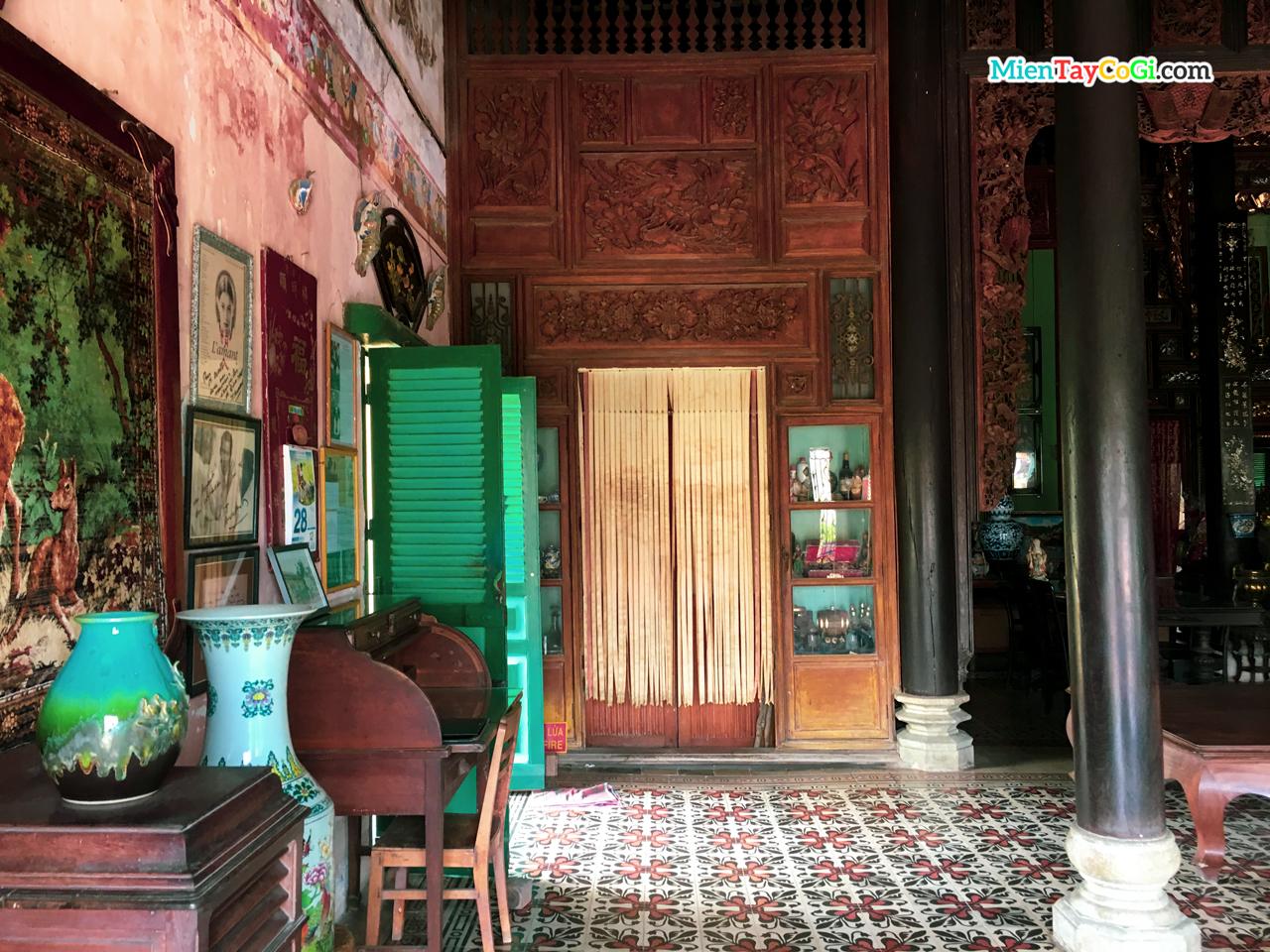 Một góc phòng nhà cổ Bình Thủy