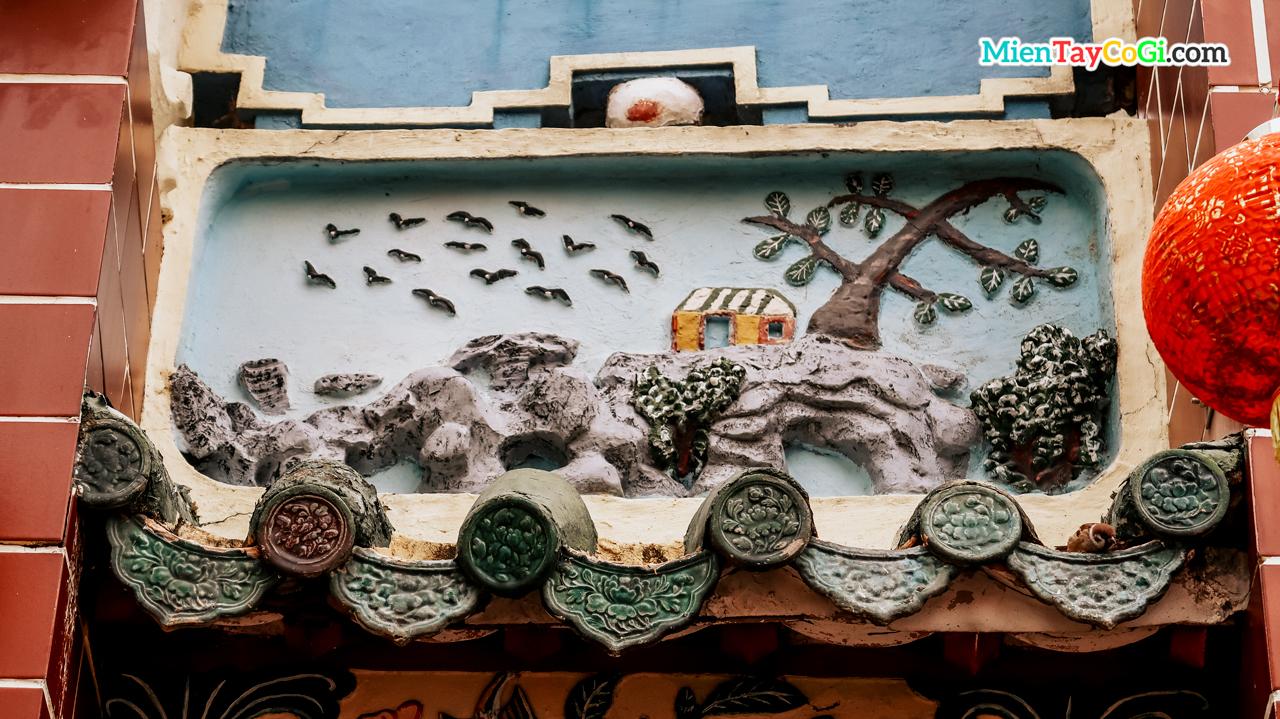 Điêu khắc trên mái chùa Ông