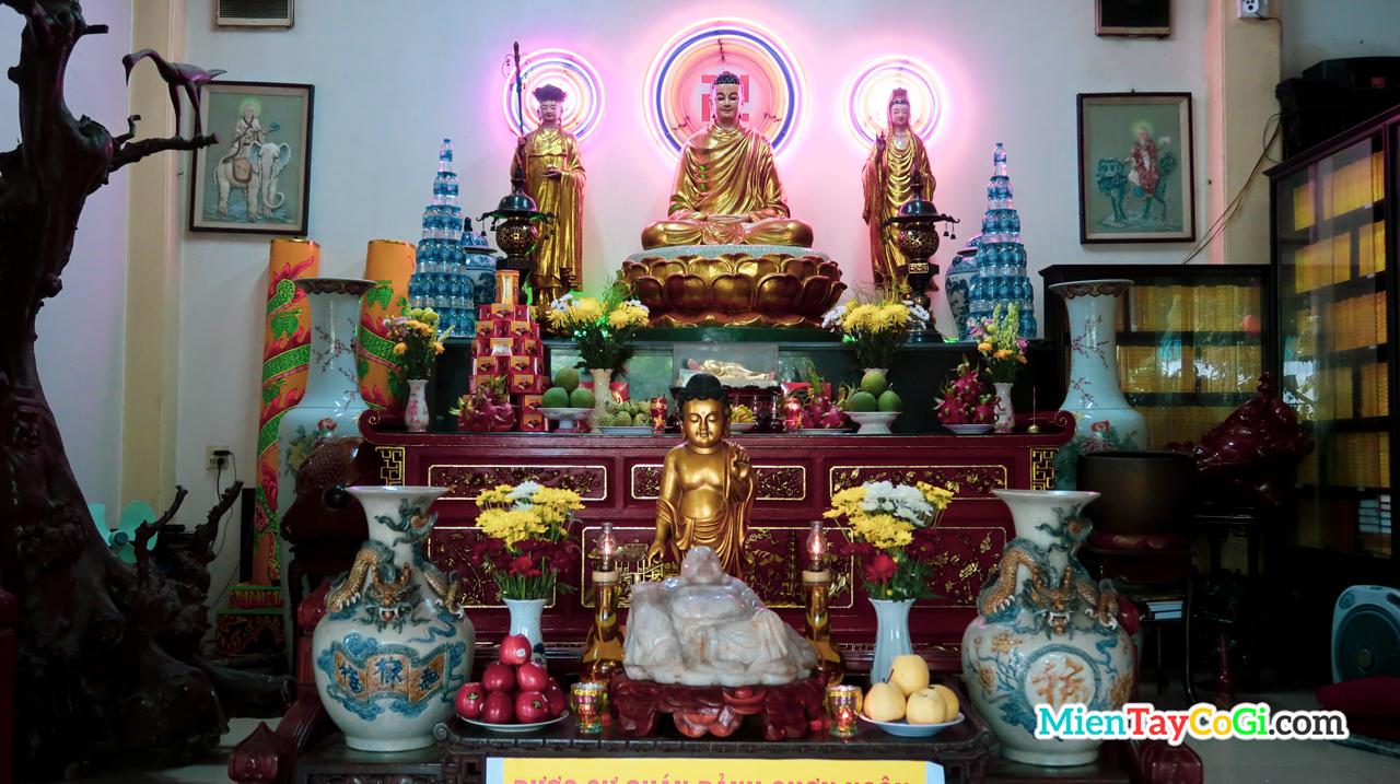 Bàn thờ Phật Dược Sư