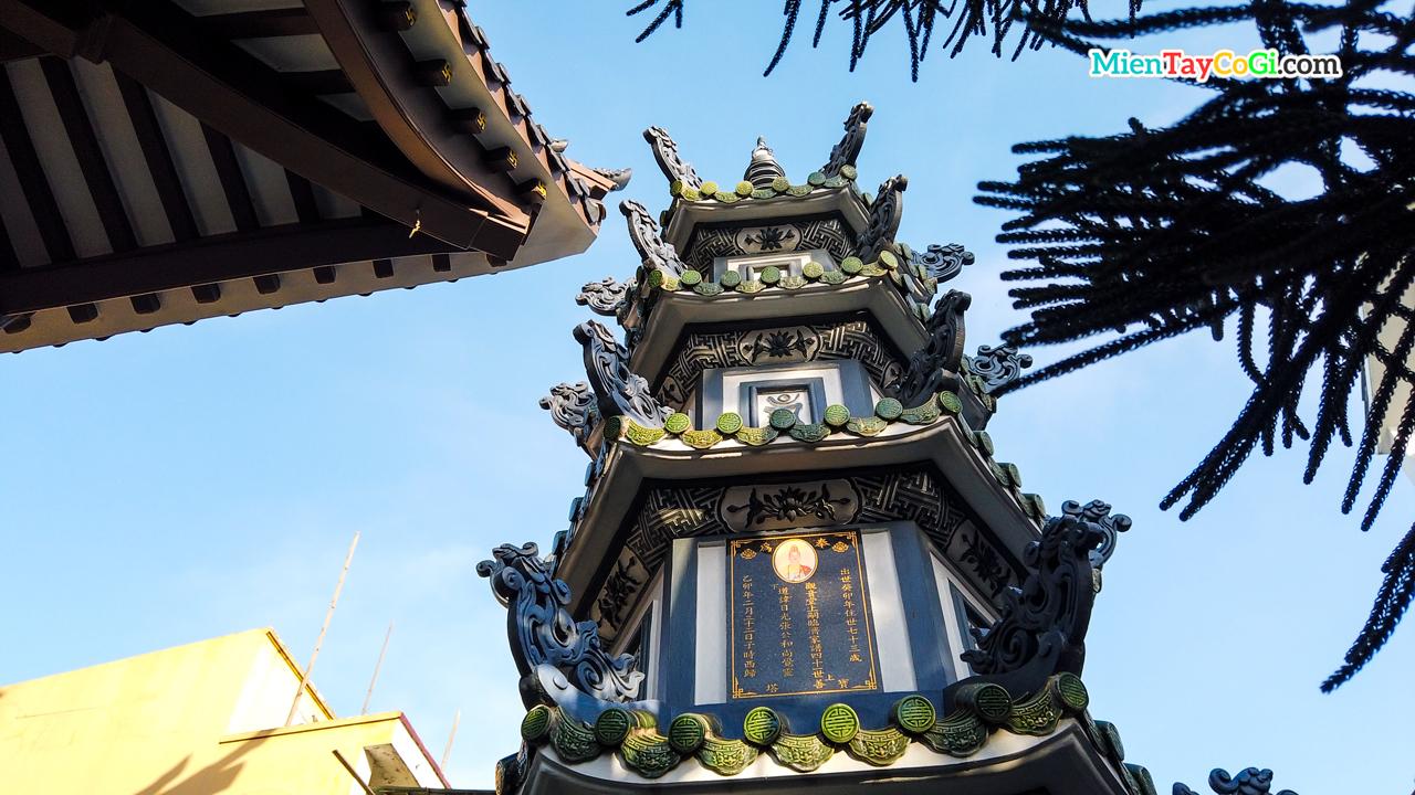 Bảo Tháp chùa Quan Âm Cần Thơ