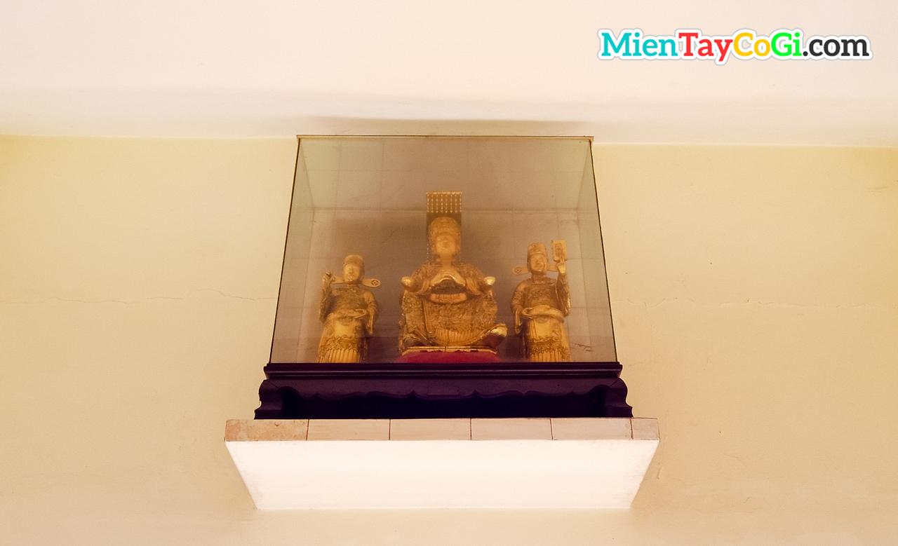 Các tượng thờ khác ở Thới Long Cổ Tự