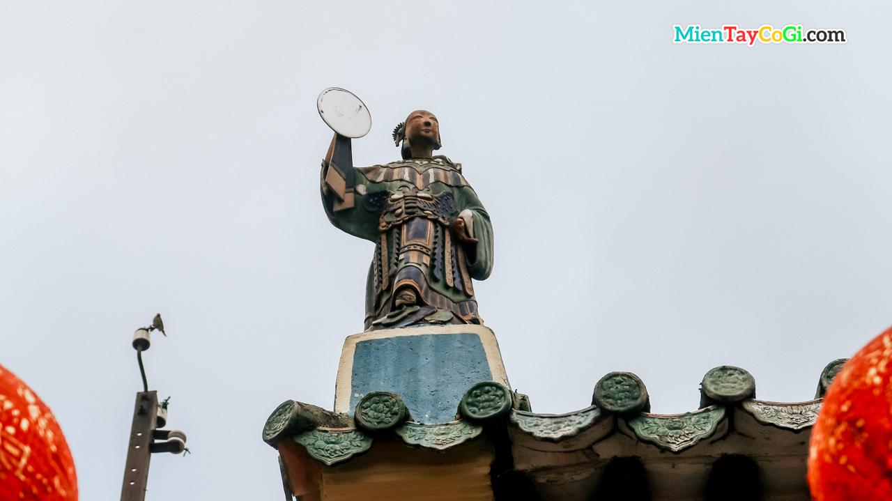 Tượng Bà Nguyệt
