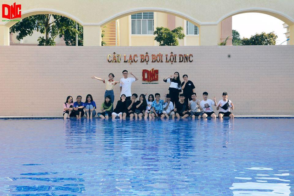 Bên trong hồ bơi của đại học Nam Cần Thơ