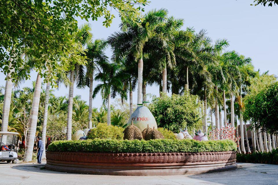 Bóng cây xanh mát tại kdl Mỹ Khánh