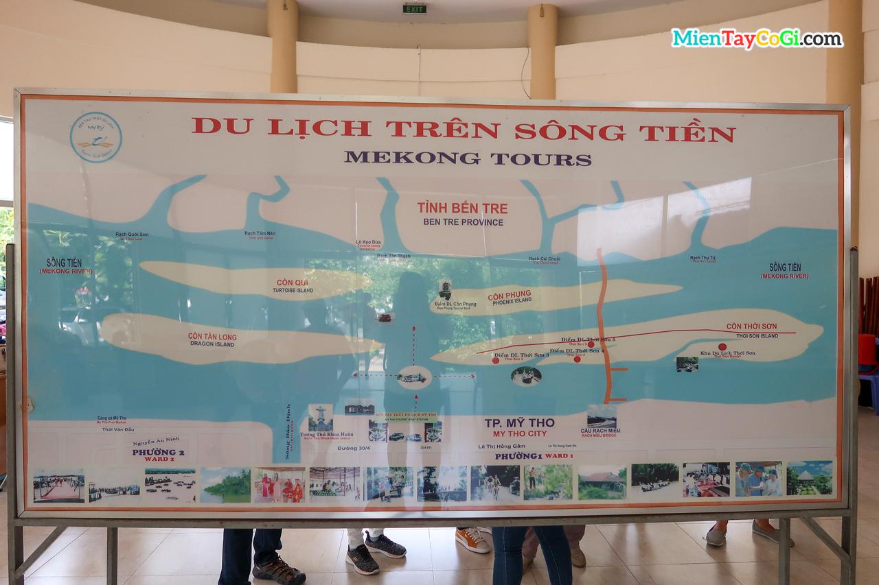 Bản đồ du lịch sông Tiền ở bến tàu đi Cồn Phụng Cồn Thới Sơn