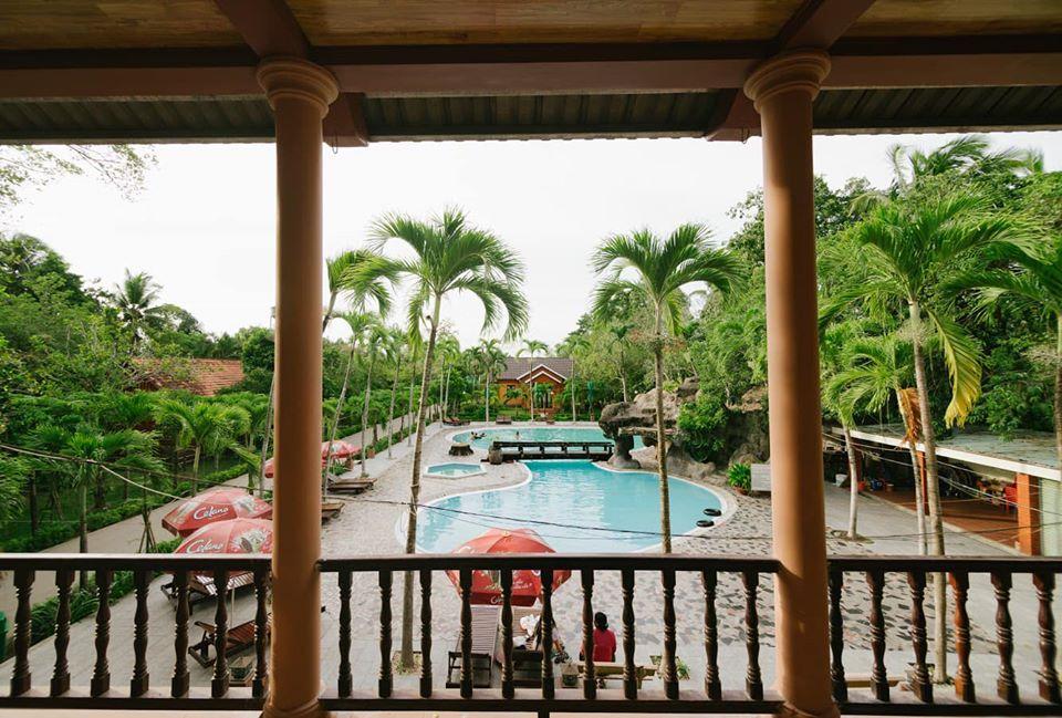 Hồ bơi khu du lịch Mỹ Khánh Cần Thơ
