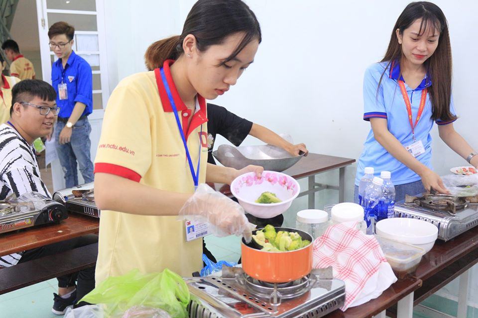 Hội thi nấu ăn đại học Nam Cần Thơ