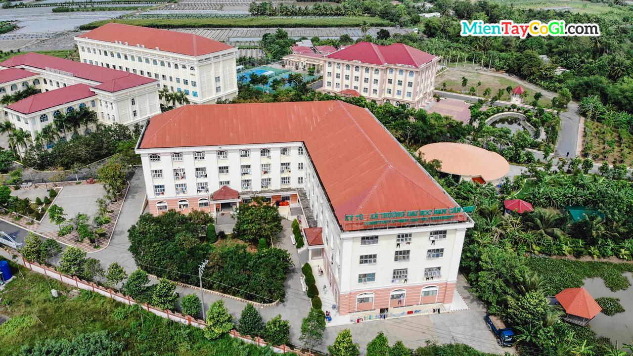 Ký túc xá đại học Nam Cần Thơ