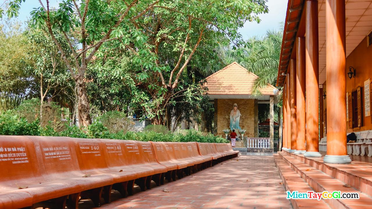 Nơi thờ Quan Âm của thiền viện Trúc Lâm Phương Nam