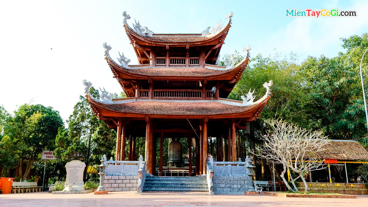 Tháp chuông Thiền viện Trúc Lâm Phương Nam