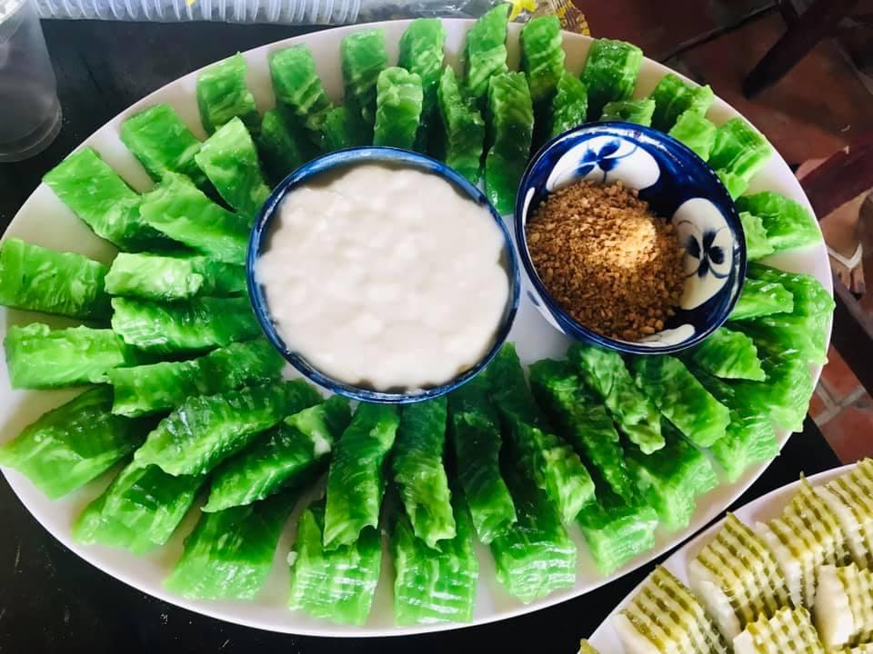 Bánh đúc chấm nước cốt dừa
