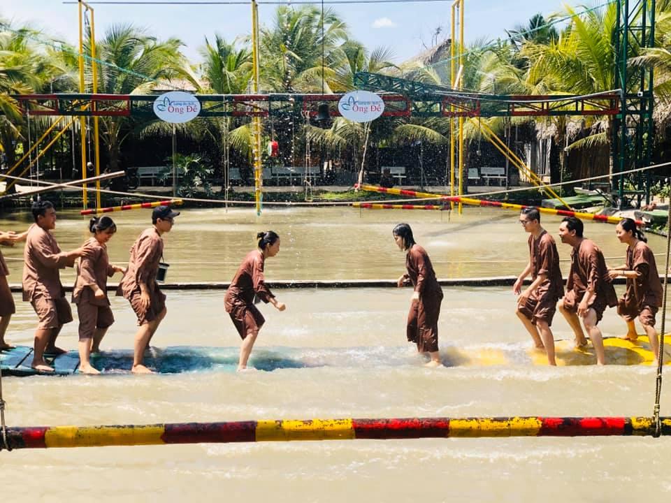 Cuộc đấu giữa cầu ván