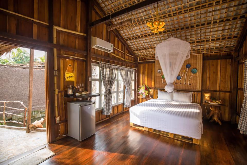 Không gian bên trong phòng Mekong Rustic Cần Thơ