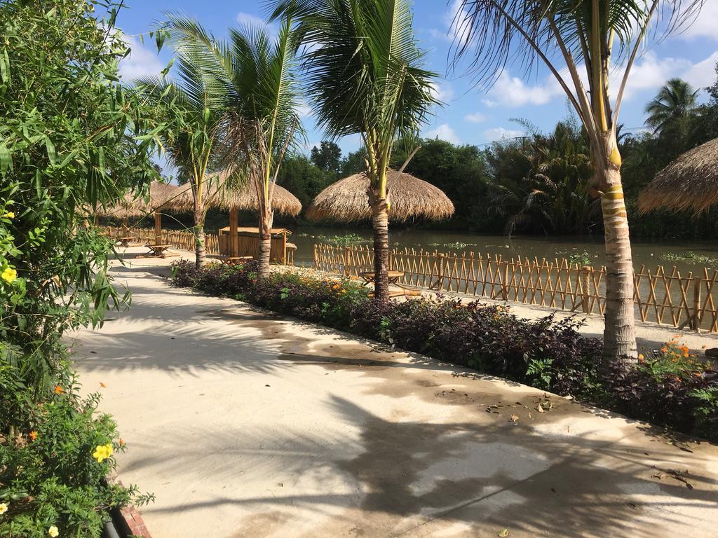 Không gian ven sông homestay Bamboo Eco Village Cần Thơ