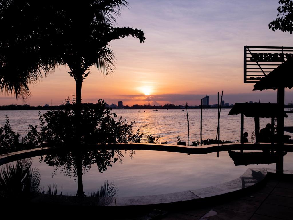 Ngắm hoàng hôn ở Mekong Chill Cần Thơ