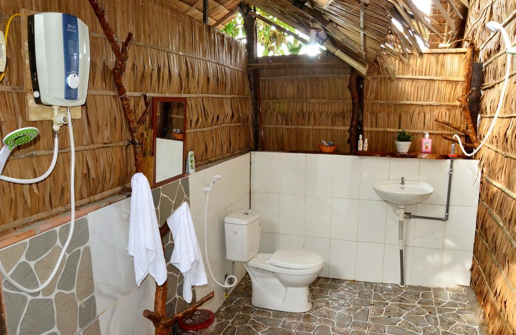 Nhà tắm Farmer homestay Cần Thơ