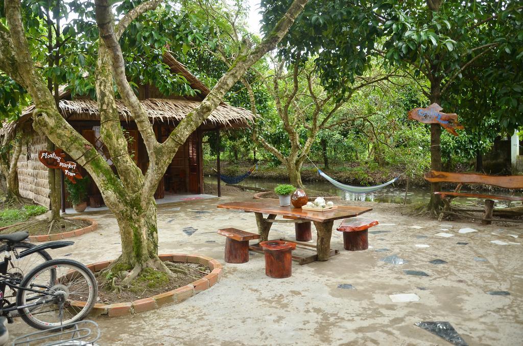 Sân vườn Famer homestay Cần Thơ