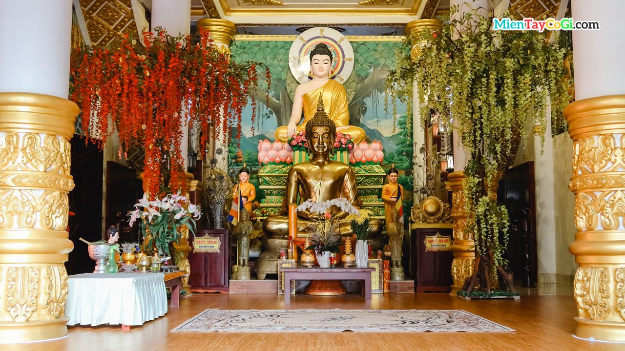 Điện thờ hậu điện tầng 1 chùa khmer bờ hồ Xáng Thổi