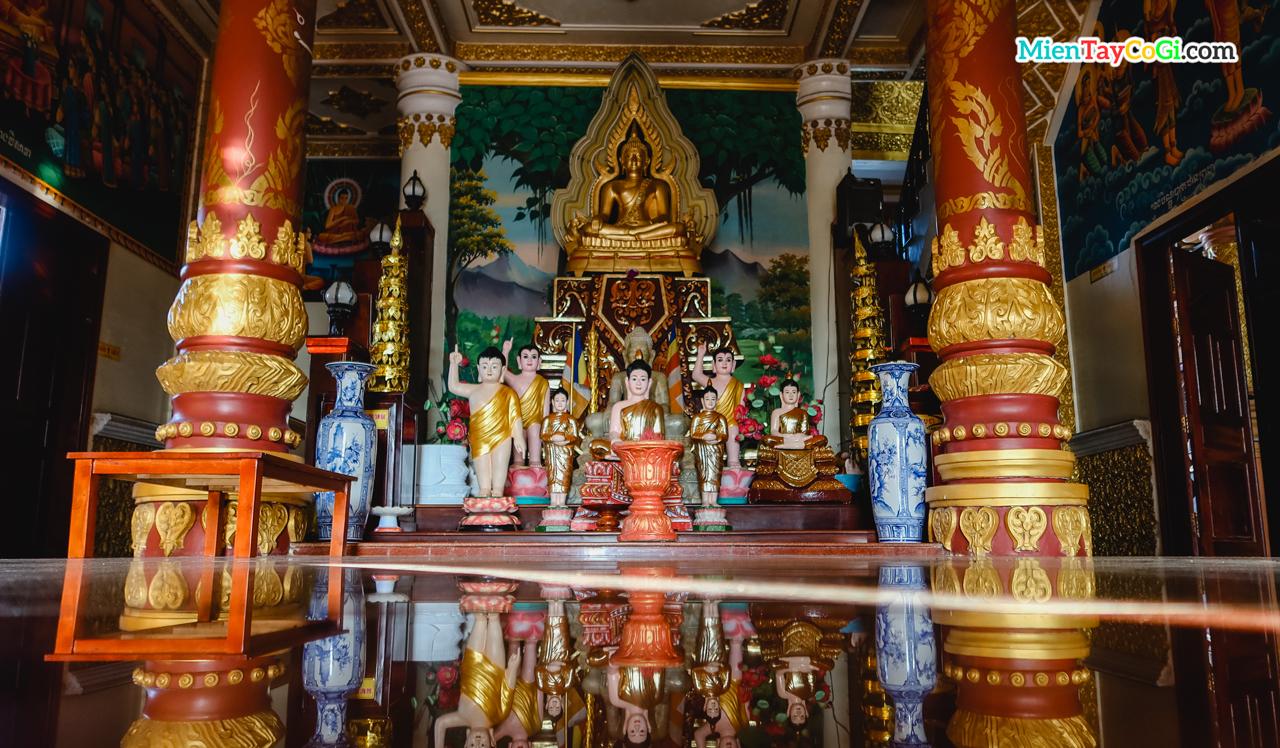 Điện thờ hậu điện tầng 2 chùa khmer bờ hồ Xáng Thổi