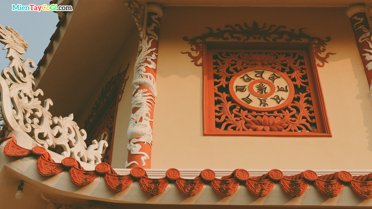 Kiến trúc bảo tháp chùa Hội Linh Cổ Tự Cần Thơ