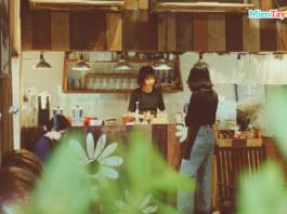 Quầy pha chế quán cà phê Cần Thơ Tiệm Trà Cỏ Ngọt