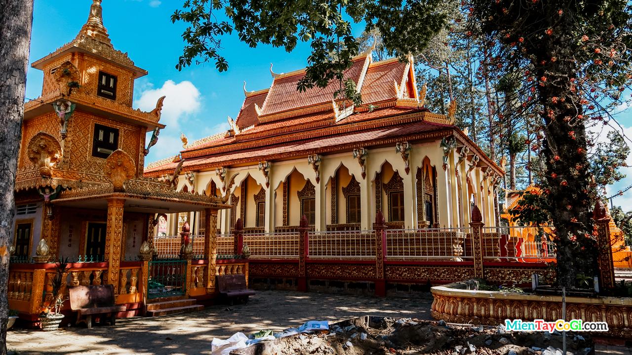 Chánh điện chùa Pothisomron