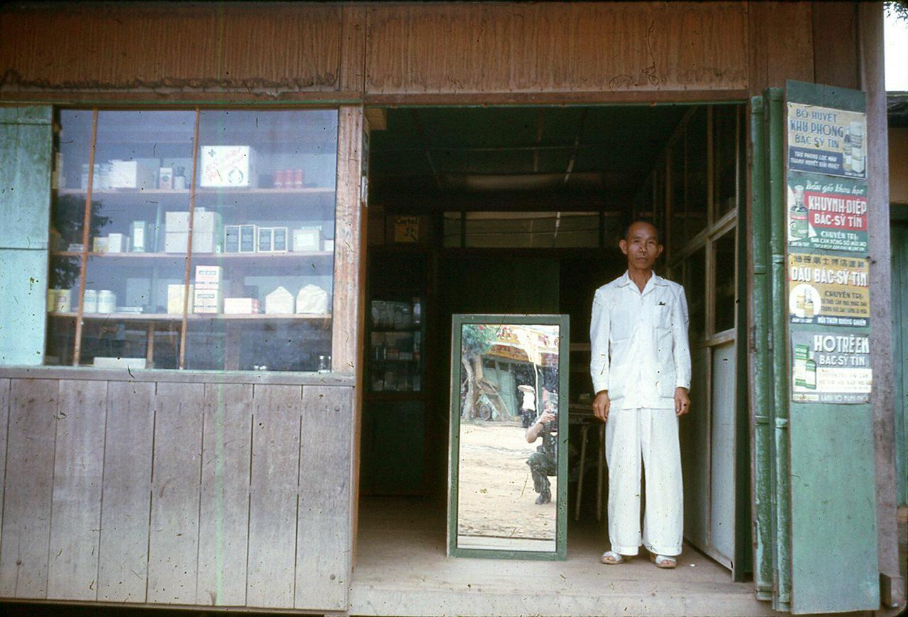 Hiệu thuốc Cà Mau năm 1962