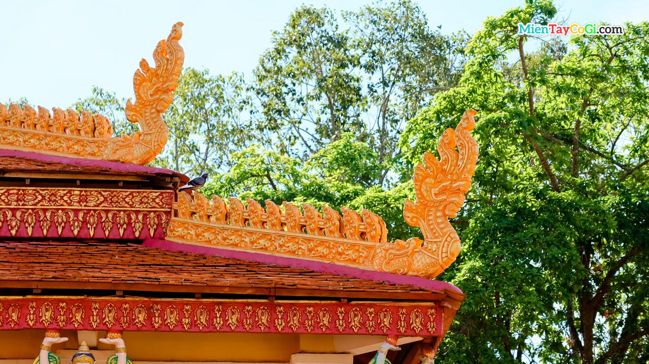 Kiến trúc chim thần Naga ở chùa Khmer