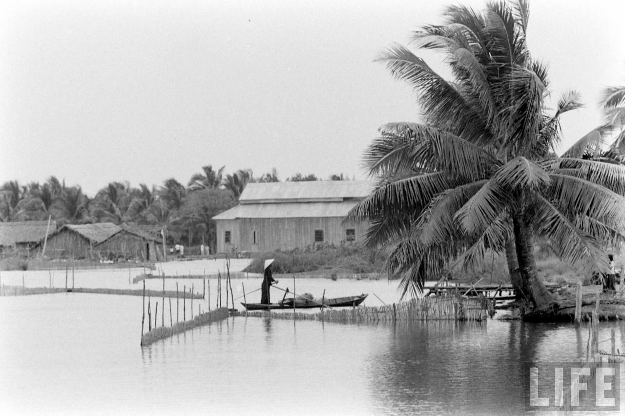 Làng quê Cà Mau ngày xưa năm 1961 chụp bởi Howard Sochurek