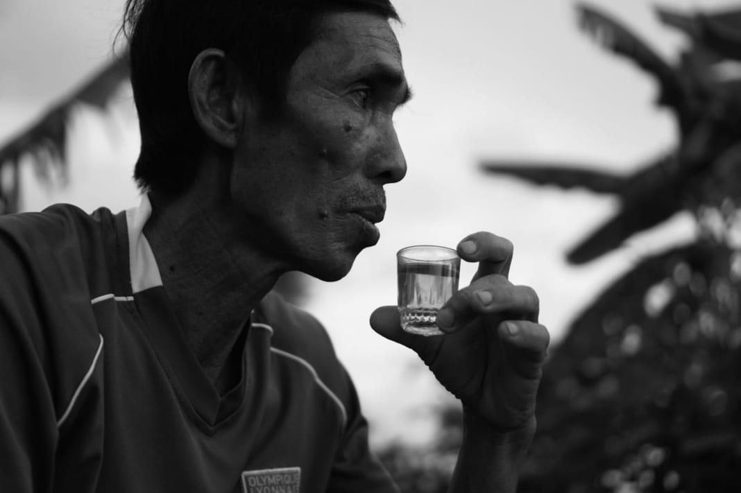 Người miền Tây uống trà