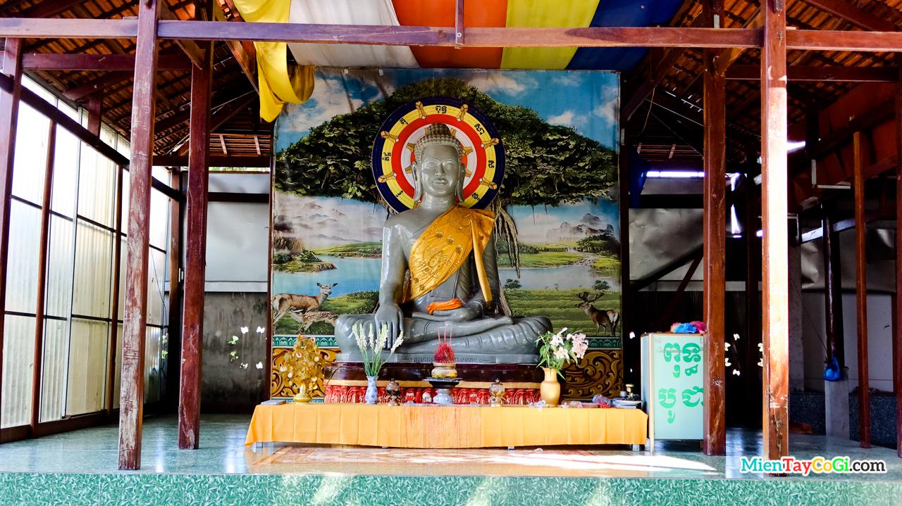 Tượng Phật lớn chùa Pothisomron
