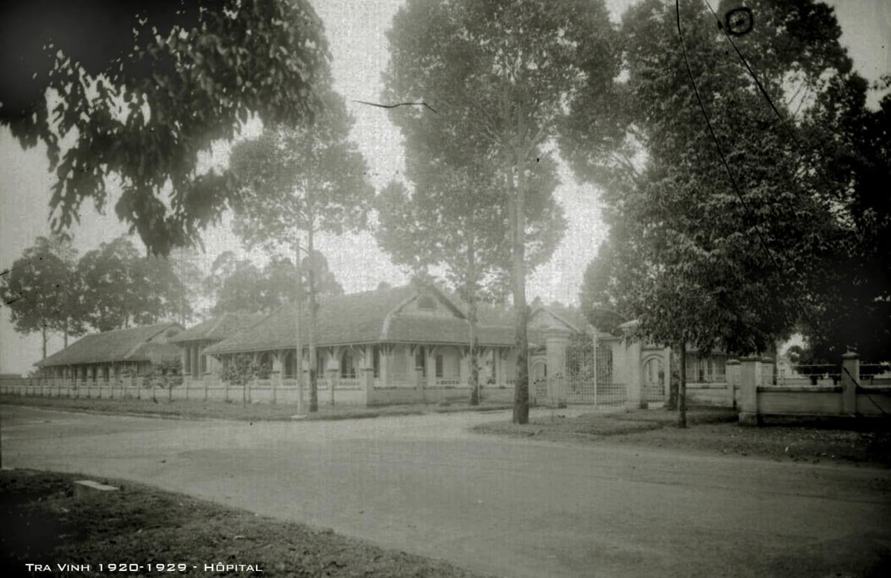 Bên trong bệnh viện tỉnh Trà Vinh thập niên 1920