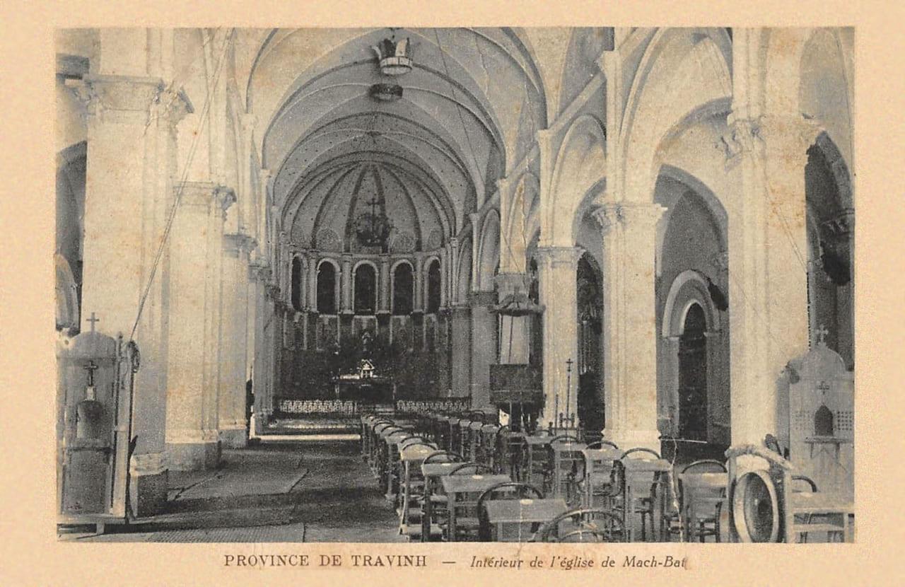 Bên trong nhà thờ Mặc Bắc