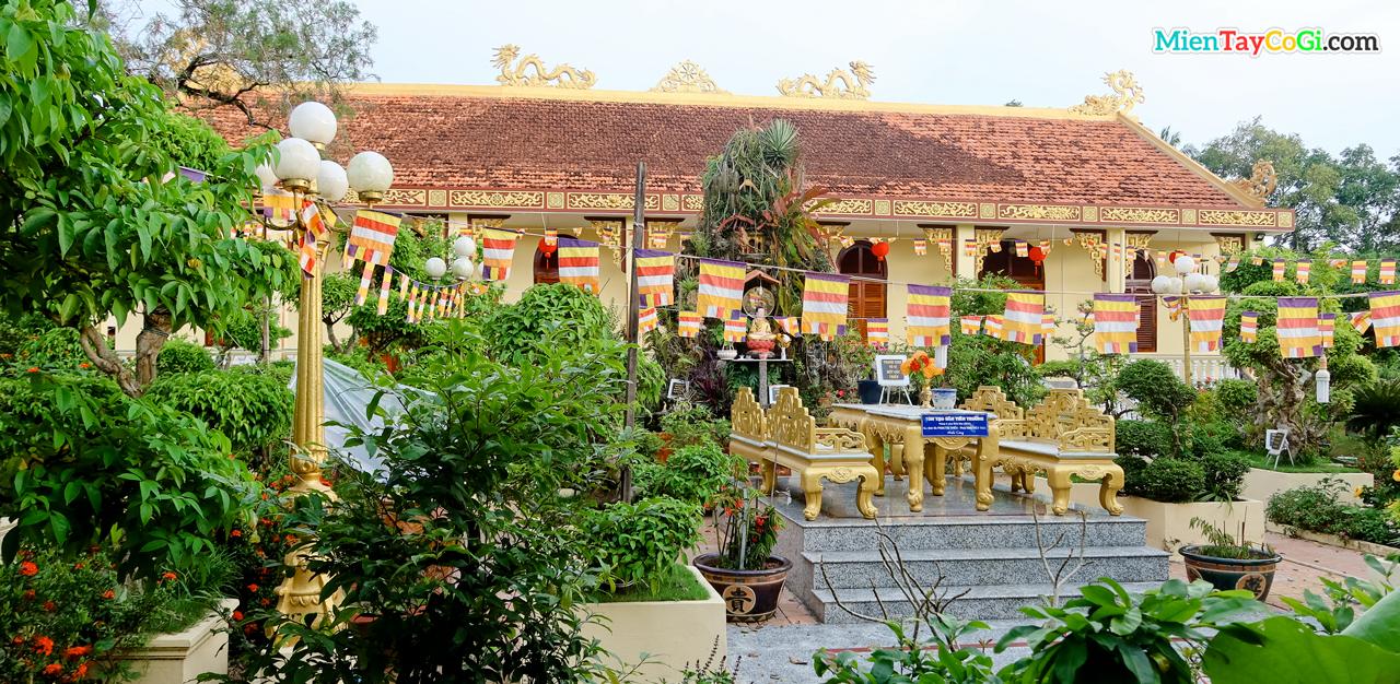 Chánh điện chùa Hiệp Minh - Đàn Tiên Cái Khế
