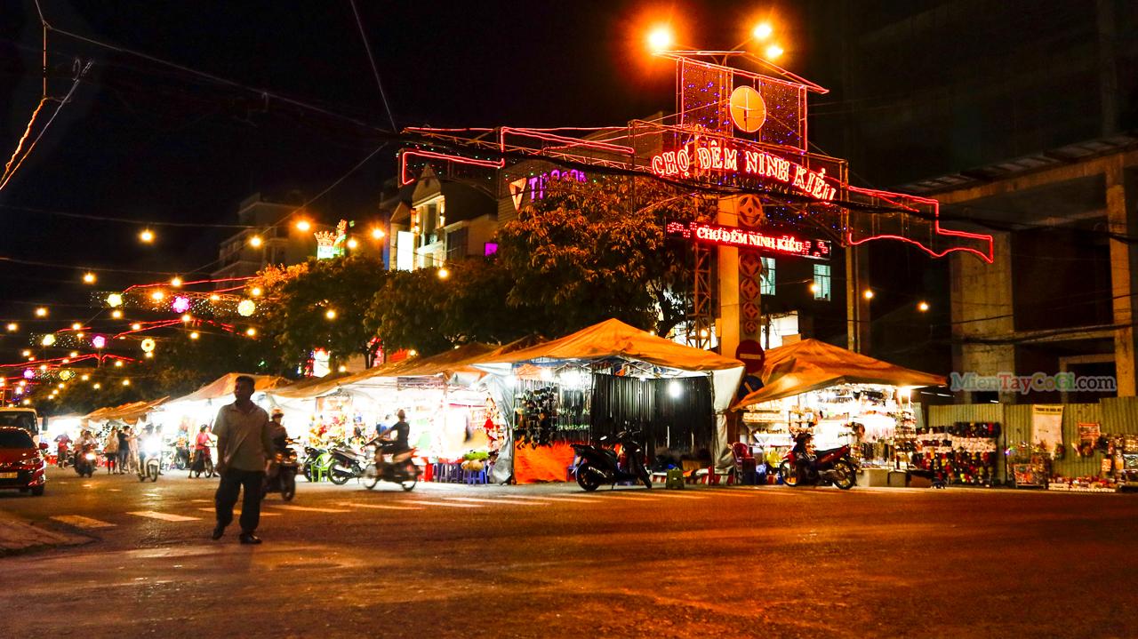 Chợ đêm Ninh Kiều về đêm