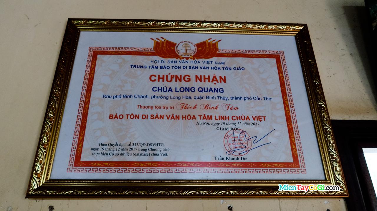 Chứng nhận bảo tồn di sản của chùa Long Quang ở Cần Thơ