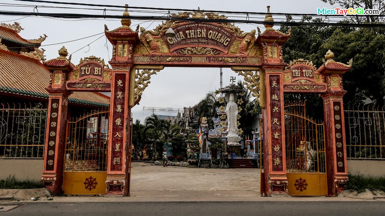 Cổng chùa Thiên Quang Cần Thơ