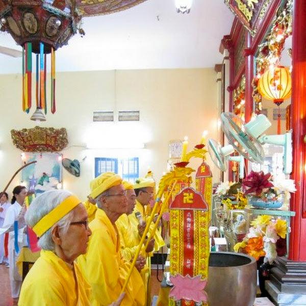 Cúng bái cầu tiên chùa Hiệp Minh