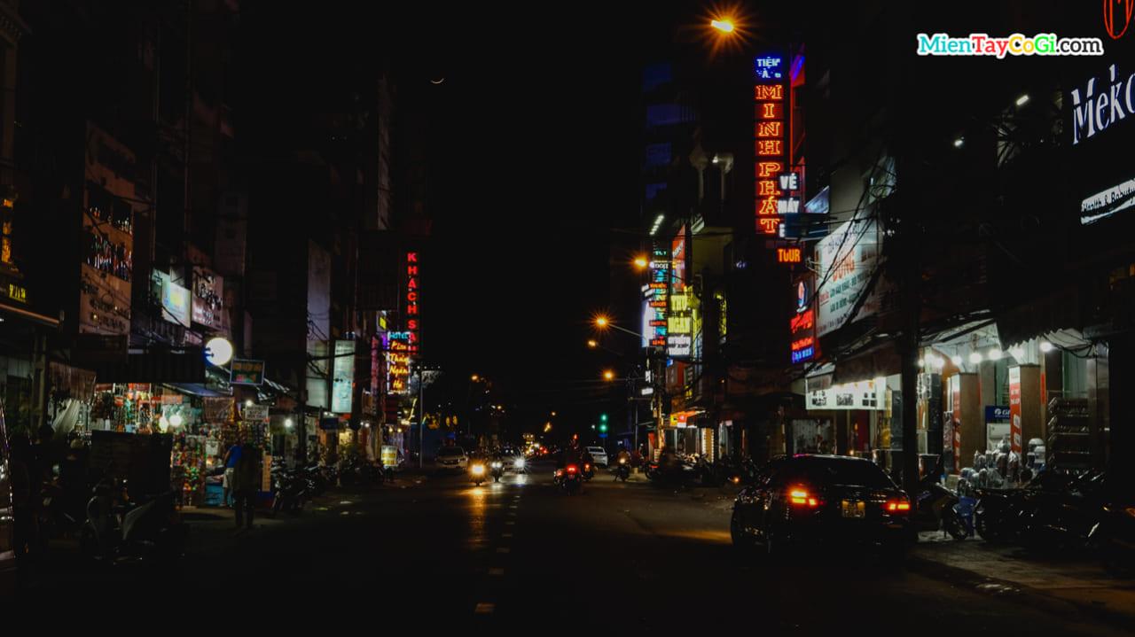 Đoạn đường nối Sense City với bến Ninh Kiều