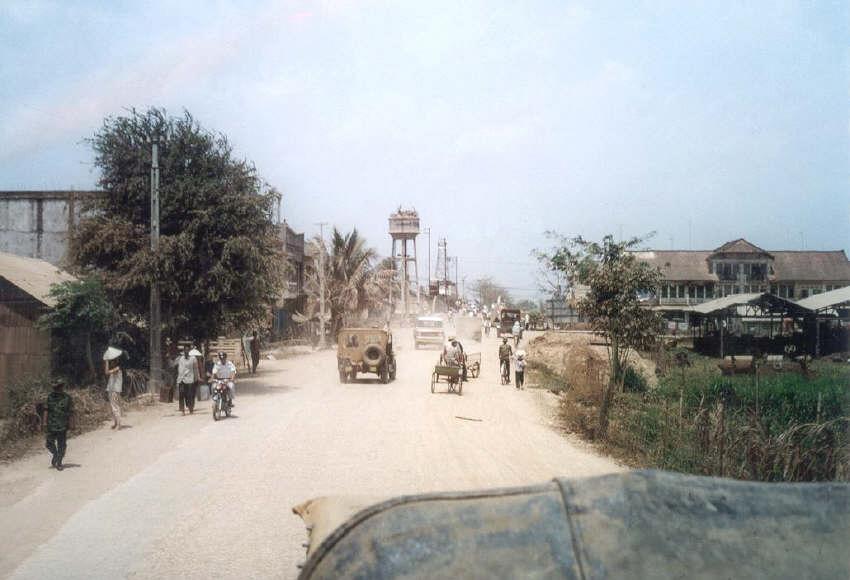 Đường đến cầu Đúc - Cao Lãnh năm 1968